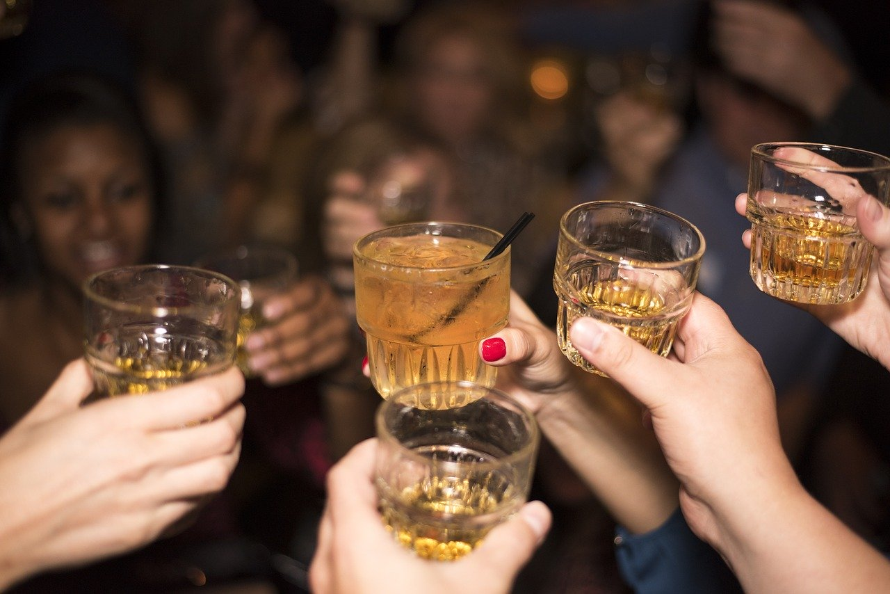 How Alcohol Increases the Risk of STDs Image